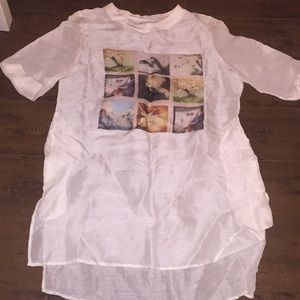 Tops - Long linen top with modern graphics